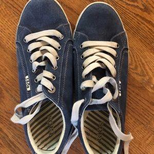 Taos Sneakers